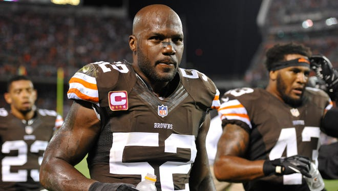 Former Browns linebacker D'Qwell Jackson could be a good fit with the Titans in their new hybrid defense.