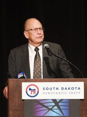 Randy Seiler speaks at the 2018 Democratic Party Convention in Sioux Falls.