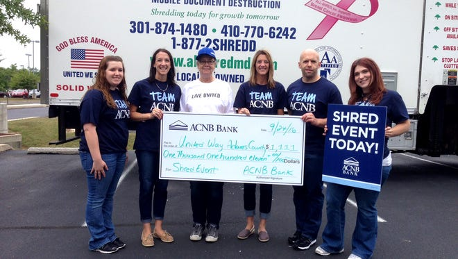 From left, are: Ericka Lease and Carolyn Dull, ACNB Bank Staff Members; Vickie Corbett, United Way of Adams County Executive Director; and, Sandy Deaner, Nate Fuhrman and Tonya Lincoln, ACNB Bank Staff Members.