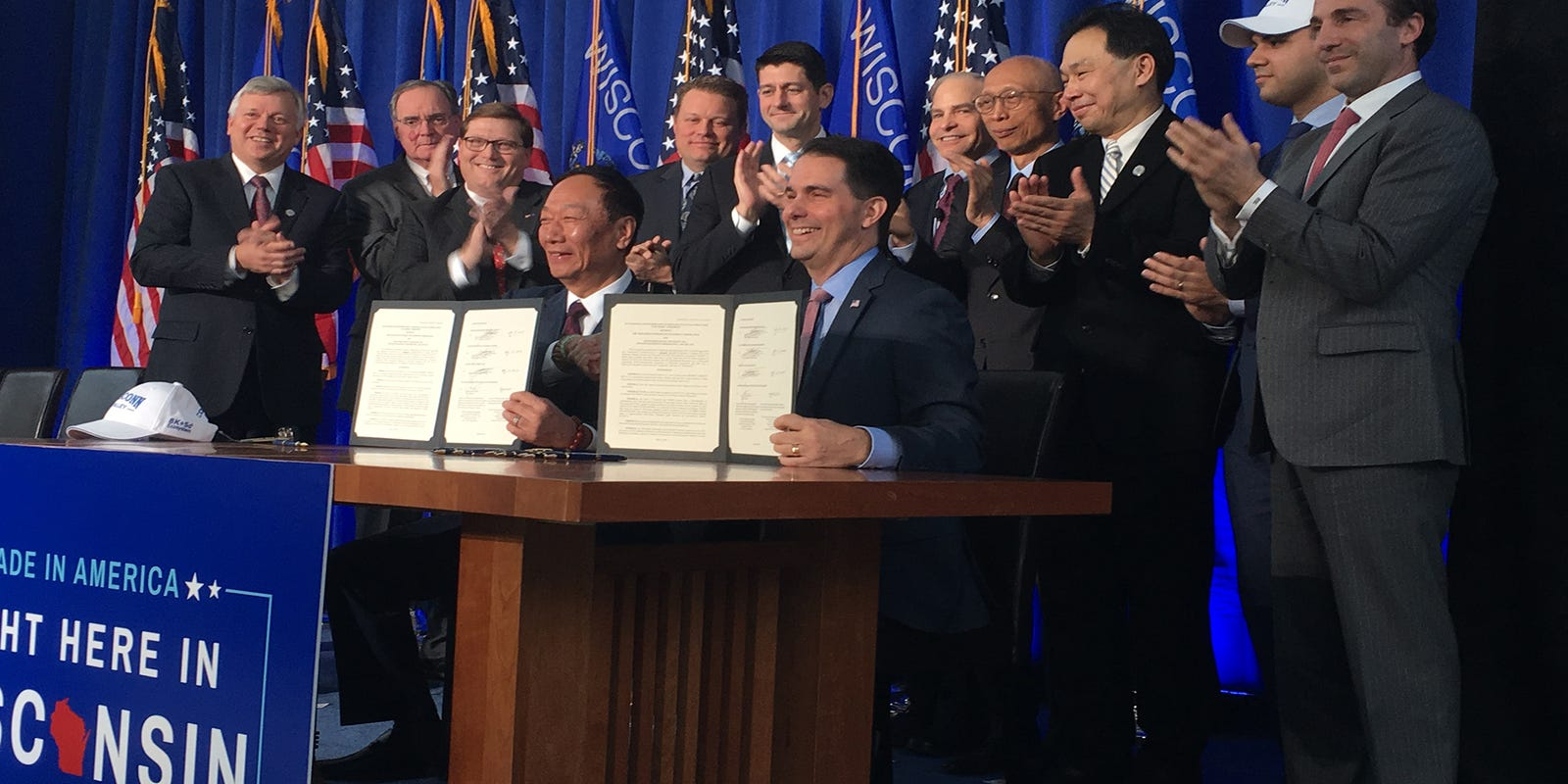 Foxconn contract signed by Gov  Scott Walker, Terry Gou