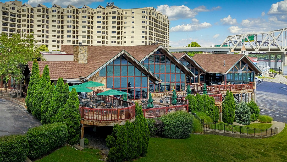 Jeffersonville Buckhead Mountain Grill is closing, but plans...