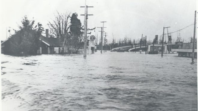Edgewater Street is shown looking east toward downtown Salem during January 1943 flooding.