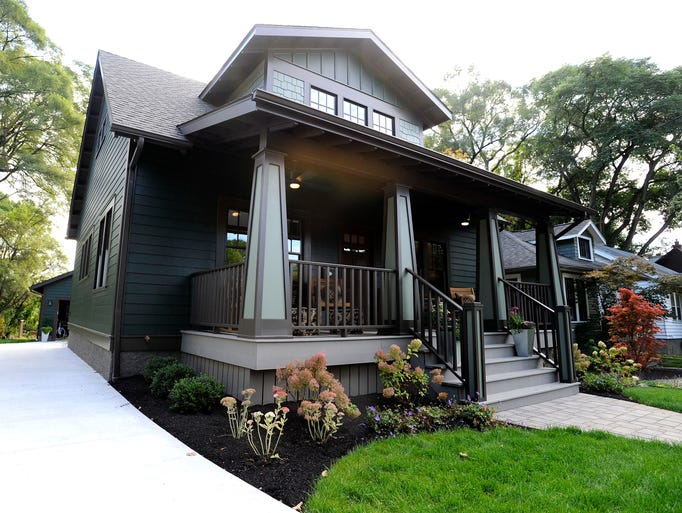 This 1920s Craftsman bungalow just minutes from downtown