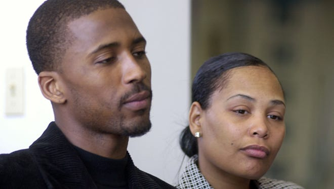 Lorenzen and Sherra Wright in 2003 after the death of their infant daughter, Sierra