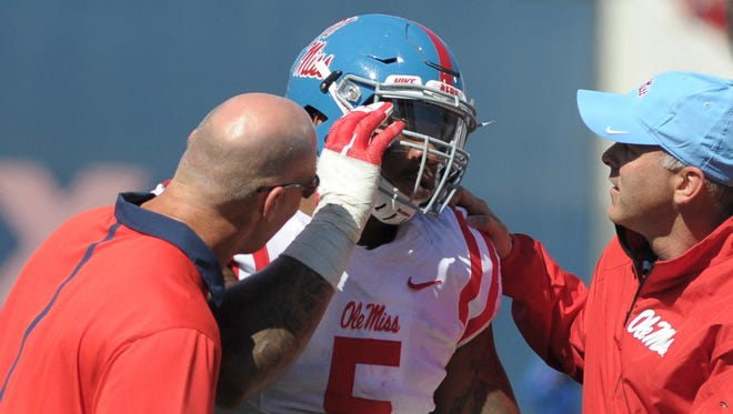Ole Miss junior Robert Nkemdiche suffered a concussion Saturday against Memphis.