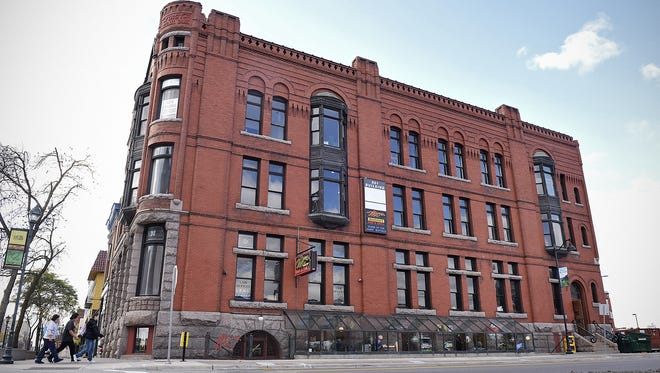 Dave Schwarz, dschwarz@stcloudti Extensive renovations are planned for the historic 501 building in downtown St. Cloud. Extensive renovations are planned for the historic 501 building in downtown St. Cloud.