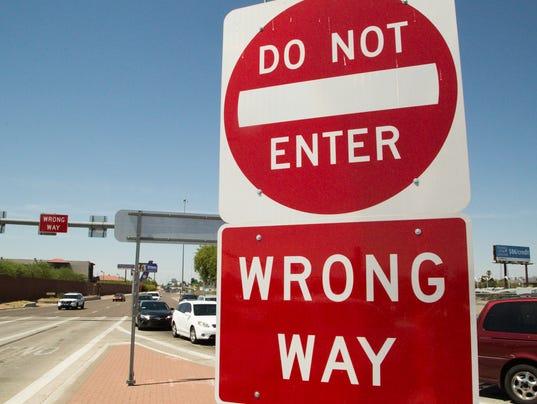 Wrong way sign I-17