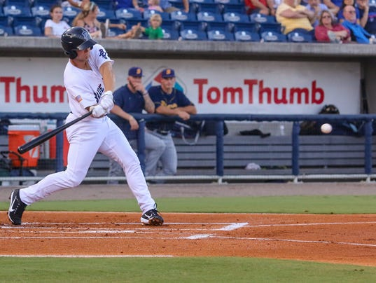 636344597282971252-sm-2017-0630-blue-wahoos-biscuits-0004.jpg