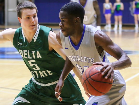 636511375668690460-sm2018-0109-west-florida-mens-basketball-delta-state-0006.jpg