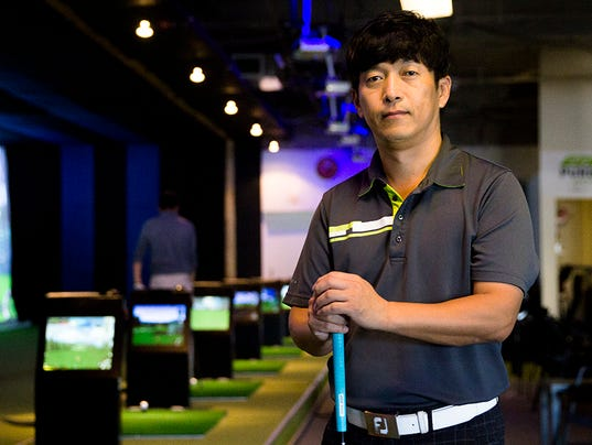 Under Par Indoor Golf in Tempe simulates courses around the world
