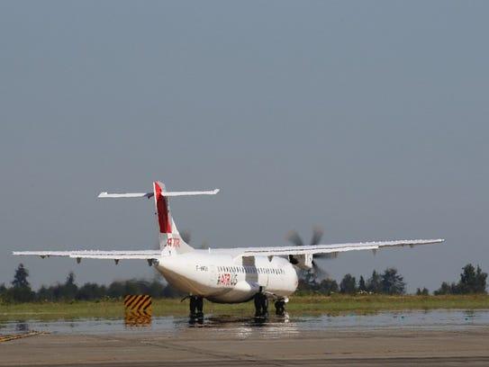 ATR's passenger version of 72-600 at Seattle Tacoma