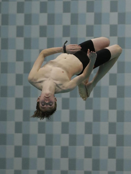 WIAA 021717 State Boys Swimming and Diving Josephs JS 005
