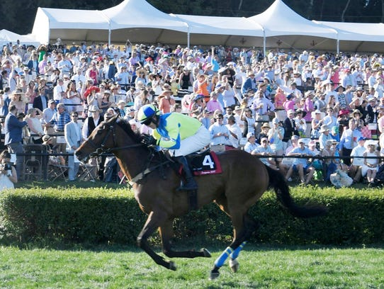 Scorpiancer crosses the finish line to win the Calvin