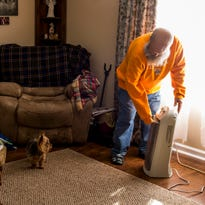 Senior couple in Clarksville gets heat after over 3 weeks without