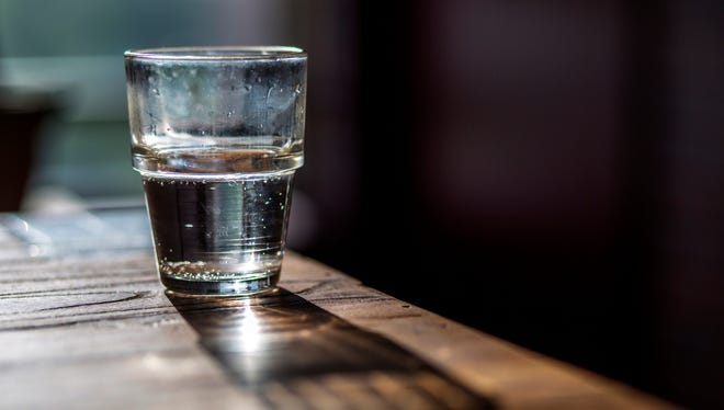 .Will you be trading your holiday bar favorites for water in the new year? Many people give up drinking in January to reset their health habits.