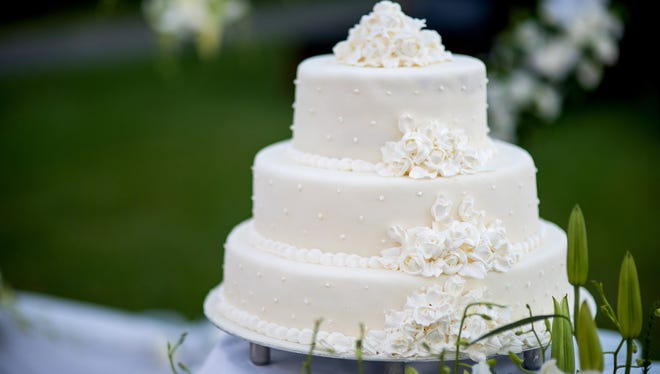 Learn what to give for wedding gifts.