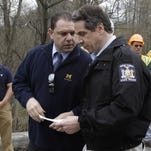 Cleaning up Albany eludes Cuomo, critics say