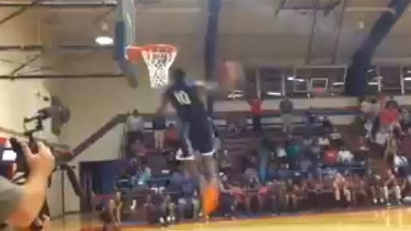 C.J. Polite throws down nasty 360, between-the-legs dunk at Southwest Mississippi's Midnight Madness