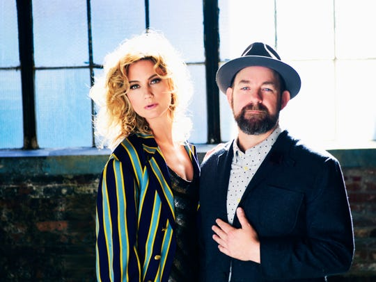 Sugarland features Georgia native Jennifer Nettles and Knoxville native Kristian Bush.
