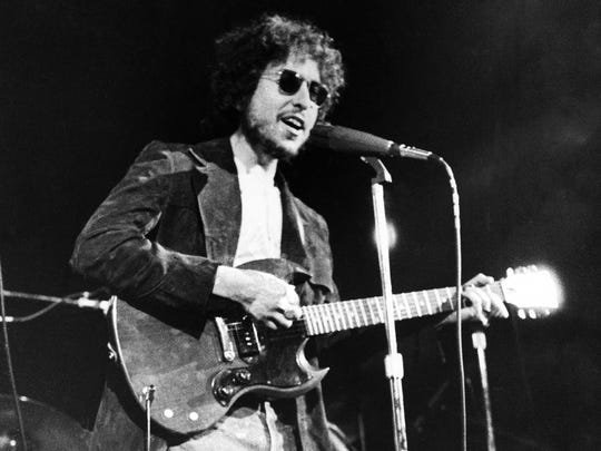 In this Jan. 1, 1972, file photo, Bob Dylan performs