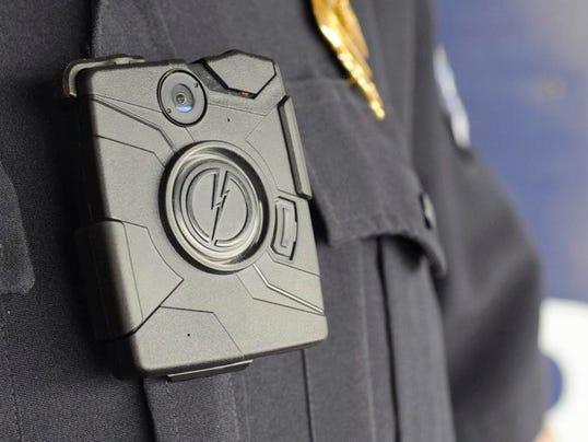 041014_policebodycams_02jg.jpg