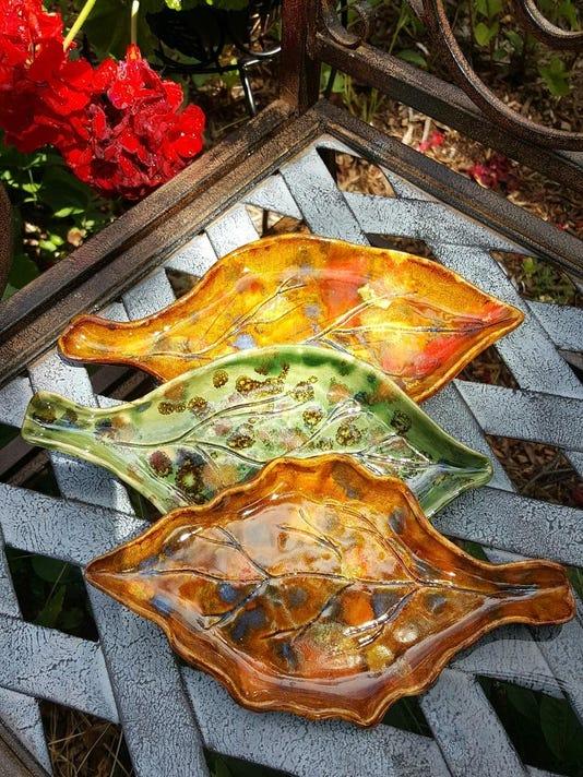 dcn 0824 artzy koshalek leaf trays