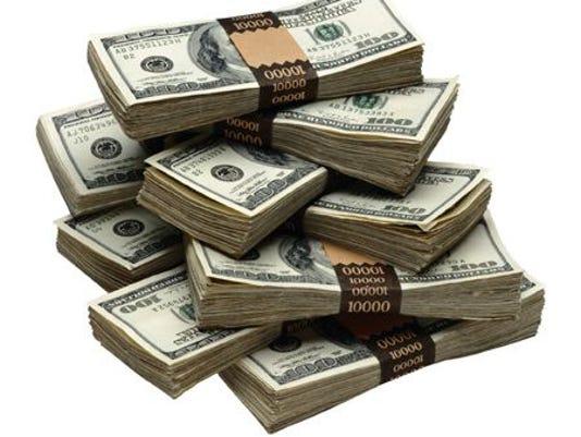 636180003750725442-money1.jpg
