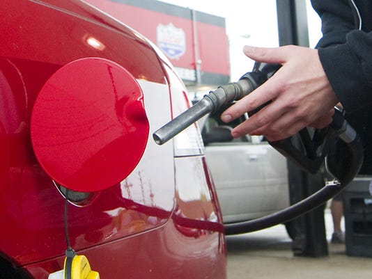 635908058311345782-GAS-fuelup-IS12McSchooler.jpg