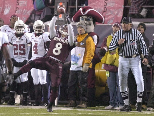 Rob Schulte of the Montana Grizzlies catches a pass during the national semifinals at Washington-Grizzly Stadium on Dec. 8, 2006.