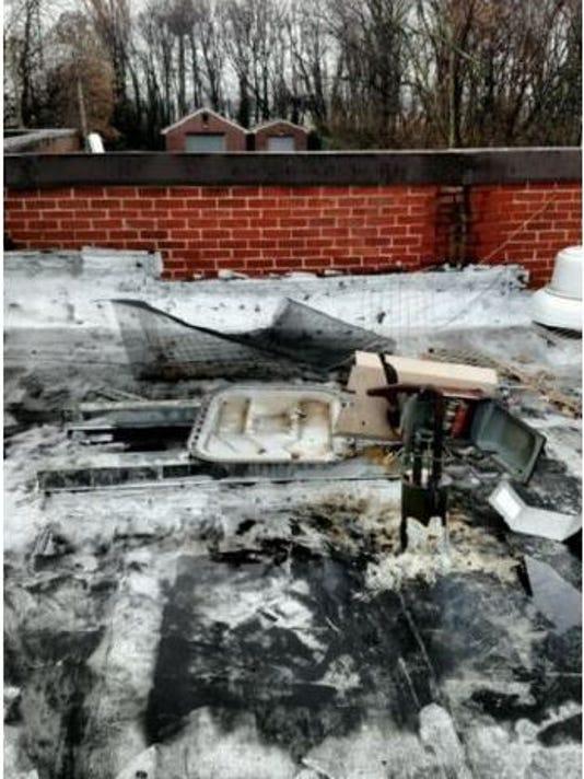 635864659386517144-1223-damage.JPG