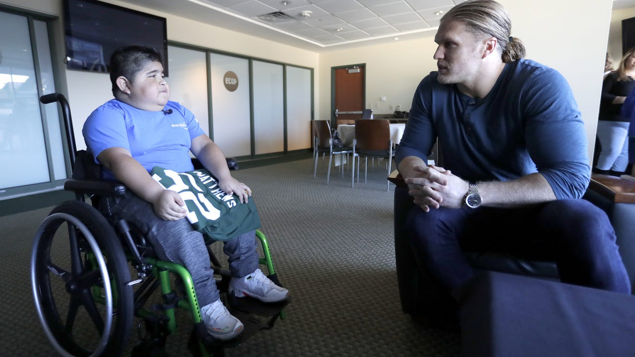 Angel Cruz is partnering with Clay Matthews for the Catch A Star campaign. Get greeting cards online or at USA TODAY NETWORK-Wisconsin locations, select Picks Pick 'n Save stores or Steinhafels in Grand Chute.