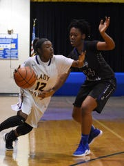 "Alexandria Senior High guard Antiesha ""Nuney"" Griffin"