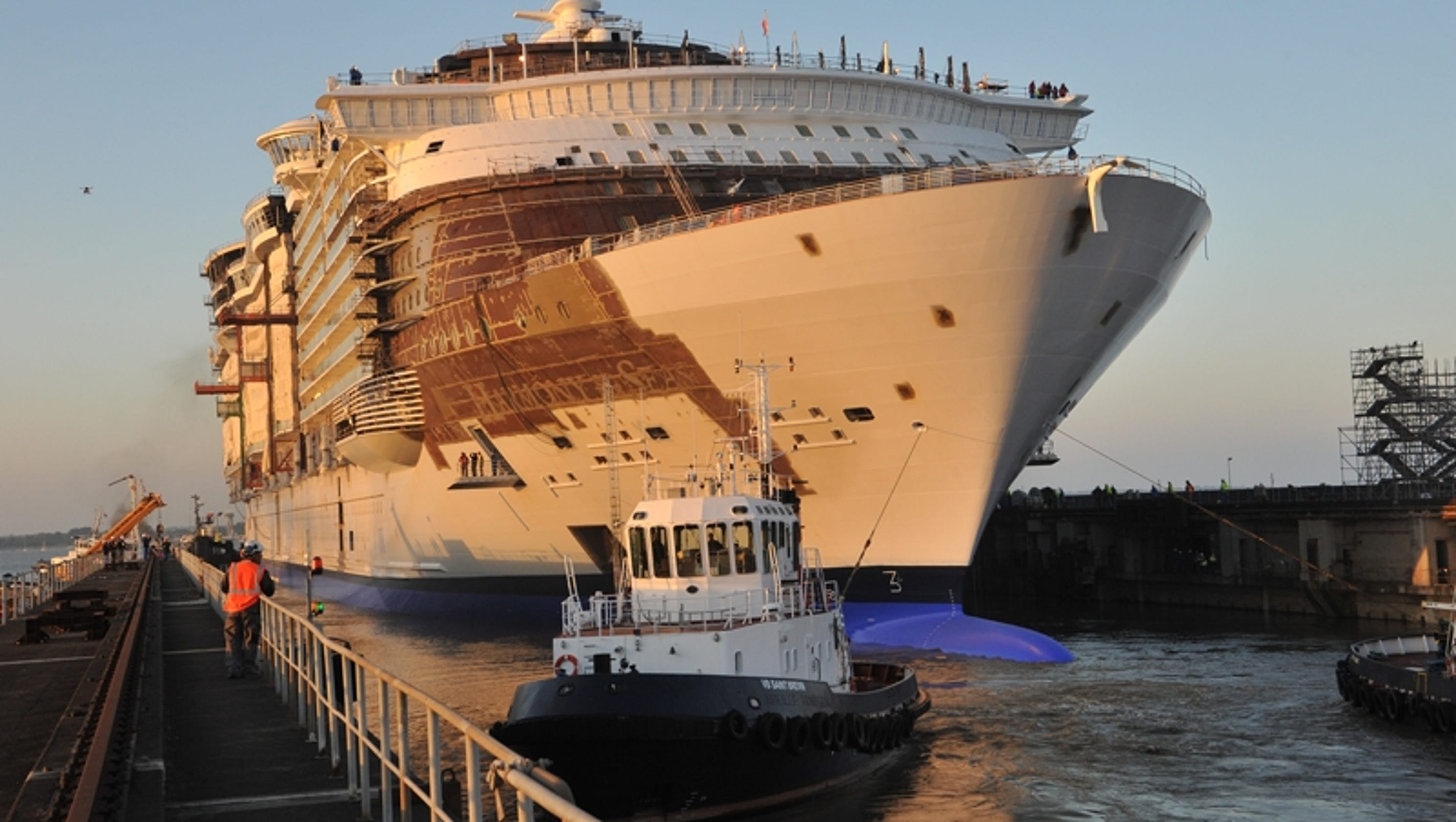 The making of the world 39 s largest cruise ship for World s longest video