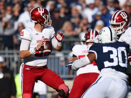 Indiana Hoosiers quarterback Richard Lagow (21) drops back to pass against the Penn State Nittany Lions during the second quarter at Beaver Stadium.