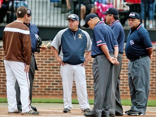 Coach getting pregame info (2)