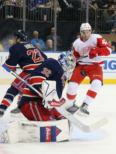 Antti Raanta of the New York Rangers makes the first