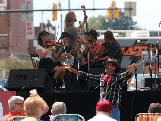 05_new_082815_bluegrass on main