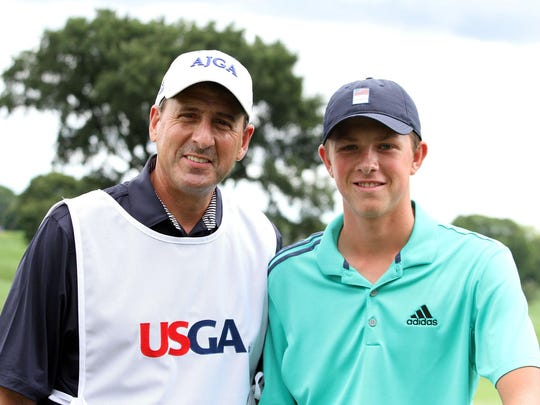 Ben Smith had a familiar face — his father Dave — serve as his caddy in the prestigious U.S. Amateur.