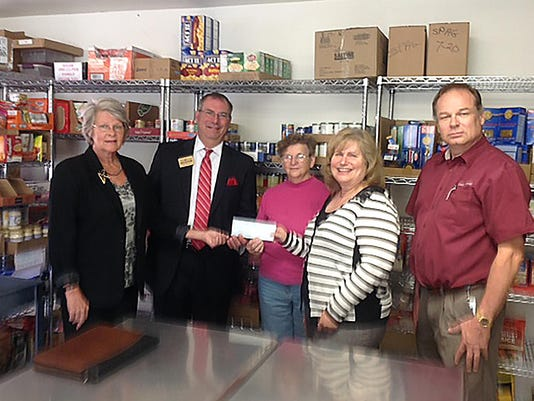 091616 - USCF - Rondout Valley Food Pantry - grant ck pres photo