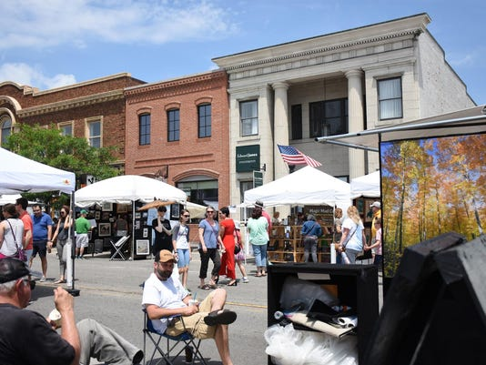 Art on the Grand in downtown Farmington
