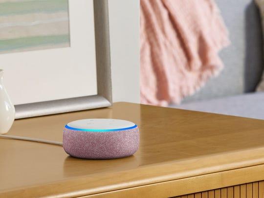 Best Valentine's Day gifts for men: Amazon Echo Dot.