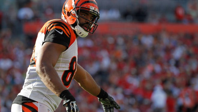 Nov 30, 2014: Cincinnati Bengals tight end Jermaine Gresham (84) points against the Tampa Bay Buccaneers during the second half  at Raymond James Stadium. Cincinnati Bengals defeated the Tampa Bay Buccaneers 14-13.