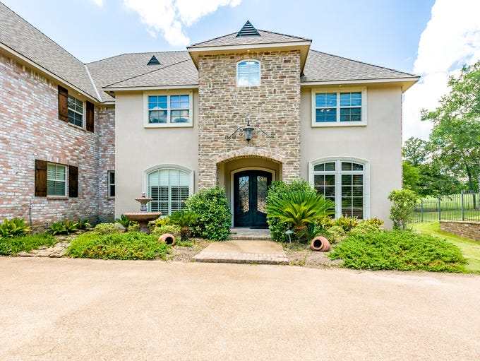 Mansion on the Market: 10927 Cattail Point