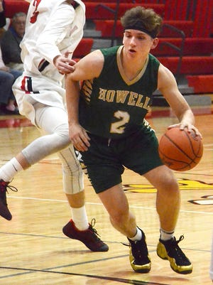 Howell's Josh Palo (2) scored a game-high 33 points in a 74-68 overtime victory at Linden.
