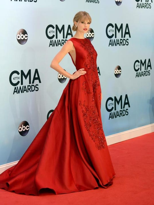 2013 CMA Awards - Arr_Youn.jpg