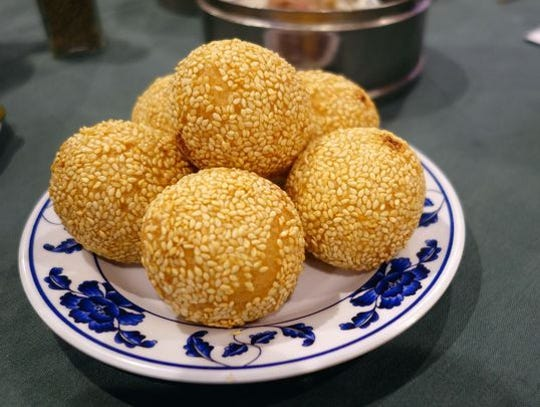 Bolas de sésamo en Great Wall Chinese Cuisine.
