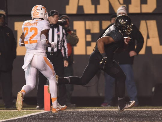 new styles 64667 2637f Sweet turns sour: Vanderbilt rallies past Tennessee, 45-34