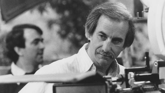 Jay Sandrich directing his only feature film, 'Seems Like Old Times,' 1980.