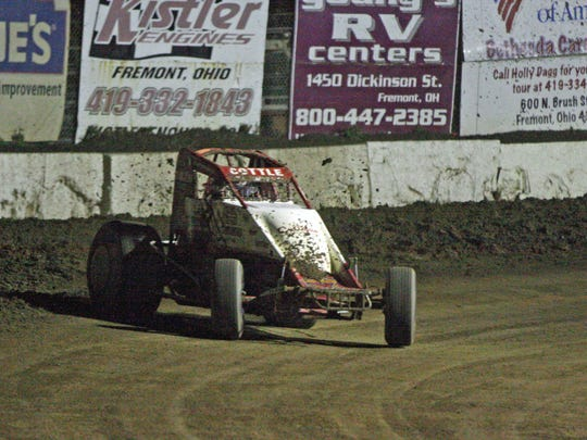 Kokomo, Indiana's Shane Cottle won the open-wing Boss series race Saturday.