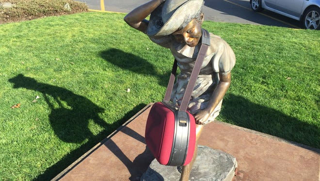 A suspicious device that is being removed from a statue near the Albertsons in Keizer